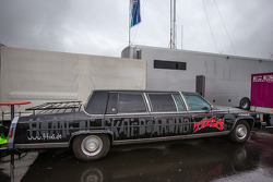 A strange limousine in the paddock