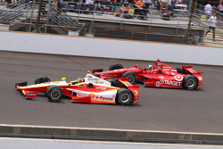 Helio Castroneves y Dario Franchitti