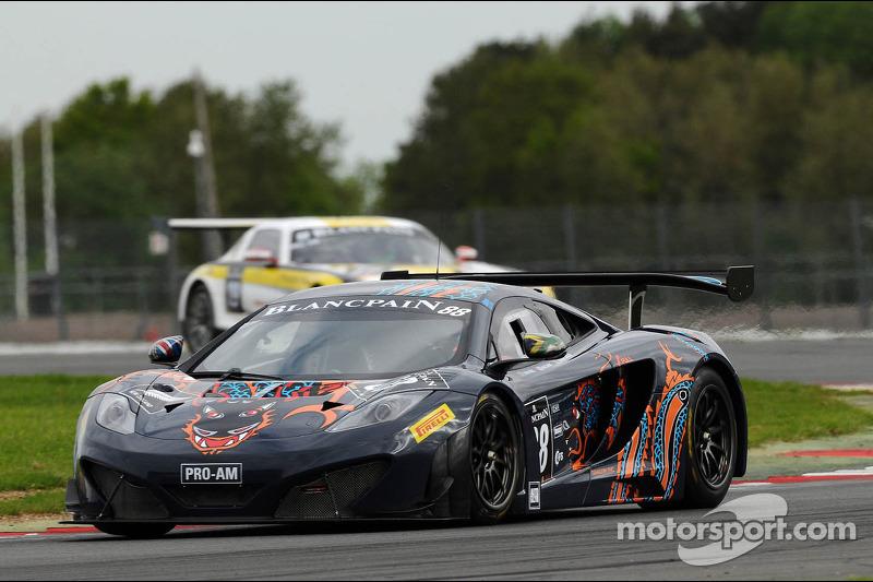 #88 Von Ryan Racing McLaren MP4 12C: Leon Price, Jordan Grogor,