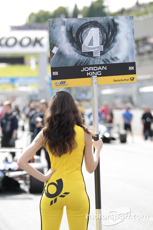 Grid girl do Jordan King
