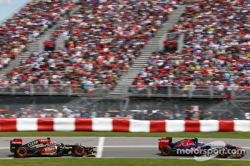 Daniel Ricciardo, Scuderia Toro Rosso STR8 voor Kimi Raikkonen, Lotus F1 E21