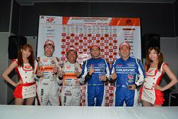 GT500 pole Joao Paulo de Oliveira, Tsugio Matsuda; GT300 pole Shinichi Takagi, Takashi Kobayashi