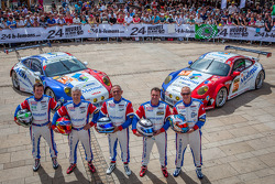 #76 IMSA Performance Matmut Porsche 911 GT3-RSR: Raymond Narac, Jean-Karl Vernay, Christophe Bourret, #67 IMSA Performance Matmut Porsche 911 GT3-RSR: Pascal Gibon, Patrice Milesi