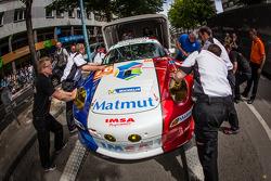 #76 IMSA Performance Matmut Porsche 911 GT3-RSR
