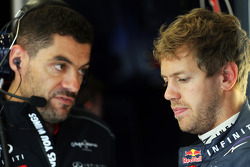 Guillaume Rocquelin, Red Bull Racing Race Engineer with Sebastian Vettel, Red Bull Racing