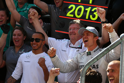 Lewis Hamilton, Mercedes AMG F1 with Ross Brawn, Mercedes AMG F1 Team Principal and Nico Rosberg, Mercedes AMG F1 W04