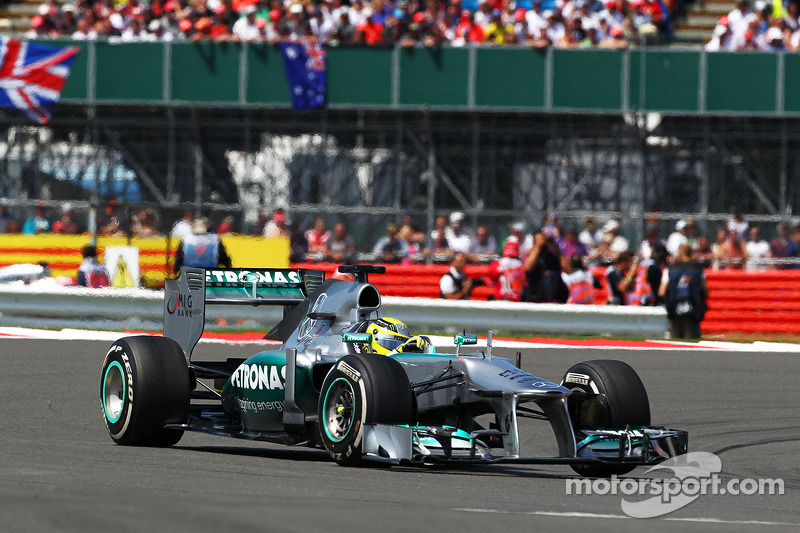 2013英国大奖赛:击败主场作战的汉密尔顿