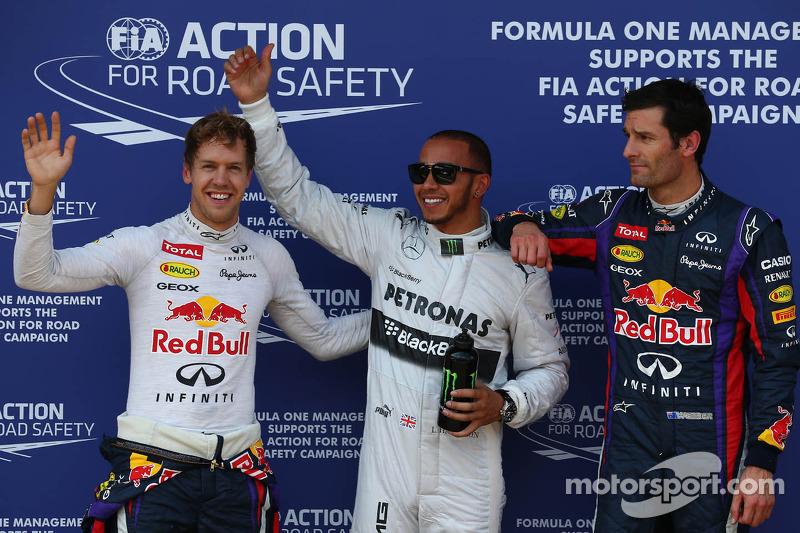 Ganador de la pole Lewis Hamilton, Mercedes AMG F1, segundo Sebastian Vettel, Red Bull Racing y tercero Mark Webber, Red Bull Racing RB9