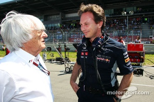 (L to R): Bernie Ecclestone, CEO Formula One Group, with Christian Horner, Red Bull Racing Team Principal on the grid