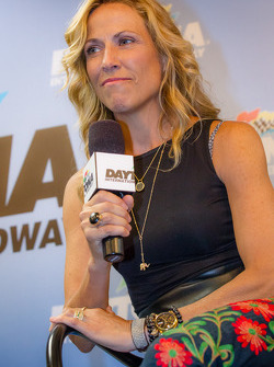 Pre-race concert performing artist Sheryl Crow