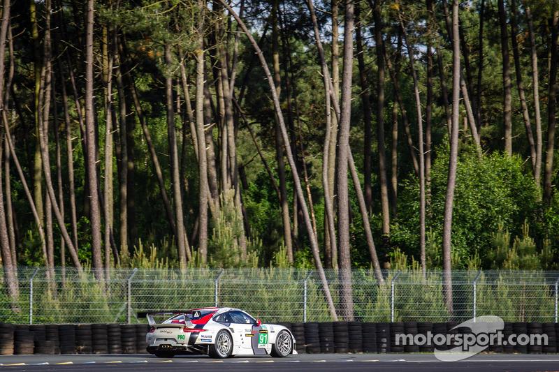 #91 Porsche AG Team Manthey Porsche 991 RSR: Jörg Bergmeister, Patrick Pilet, Timo Bernhard