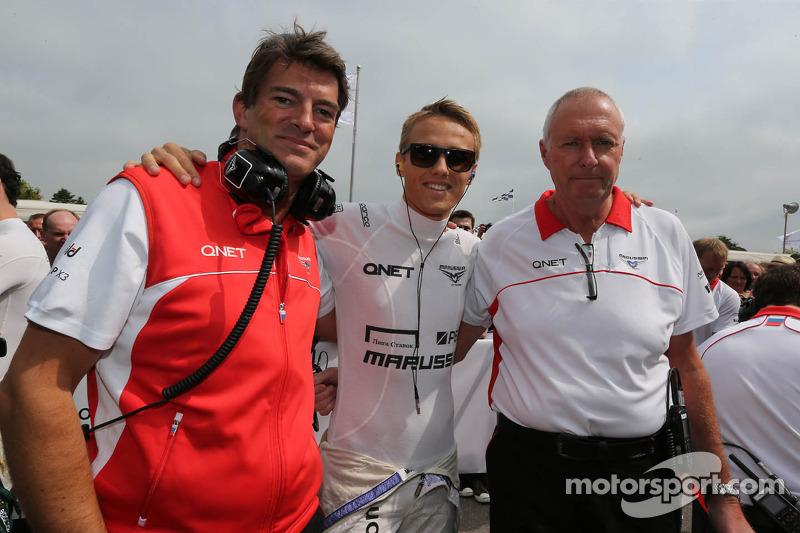 (L naar R): Graeme Lowdon, Marussia F1 Team Chief Executive Officer met Max Chilton, Marussia F1 Team en John Booth, Teambaas Marussia F1 Team