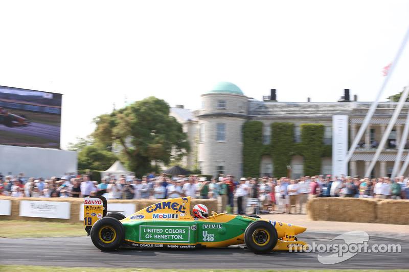 Alex Brundle, in een Benetton B192