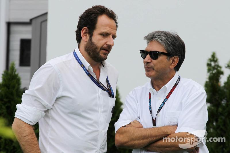 (L naar R): Matteo Bonciani, FIA Media Delegate met Pasquale Lattuneddu van de FOM