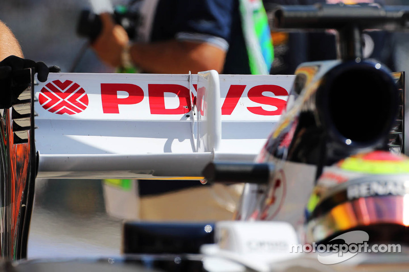 Pastor Maldonado, Williams FW35 rear wing detail