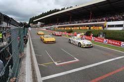 Over de finishlijn: #84 HTP Gravity Charouz, Mercedes-Benz SLS AMG GT3: Maximilian Buhk, Maximilian