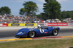 #6 1966 Lola T70 Mk II: Dan Cowdrey