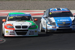 Stefano D'Aste, BMW 320 TC, PB Racing and Alex MacDowall, Chevrolet Cruze 1.6T, bamboo-engineering