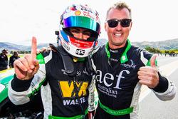 Yarış galibi #8 Mercedes AMG GT3: Max Twigg, Tony D'Alberto