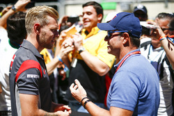 Kevin Magnussen, Haas F1 Team, with Rubens Barrichello