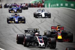 Kevin Magnussen, Haas F1 Team VF-17, Daniel Ricciardo, Red Bull Racing RB13, Pascal Wehrlein, Sauber C36, Lance Stroll, Williams FW40