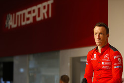 Kris Meeke, Citroen, parla con Henry Hope-Frost all'Autosport Stage