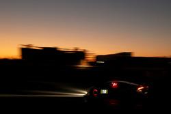 #10 Leipert Motorsport Lamborghini Huracán Super Trofeo: Олівер Вебб, Лім Кеонг Вей, Мелвін Мох, Олександр Ш'єрпер, Тадас Вольбікас