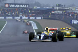 Damon Hill, Williams FW15C, leads Michael Schumacher, Benetton B193