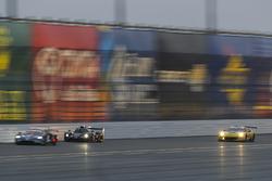 Эрик Люкс, Томи Дрисси, Марк Драмрайт, Брендан Гоэн, Алекс Попов, BAR1 Motorsports, Multimatic Riley LMP2 (№20)