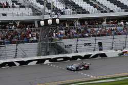 Checkered flag for #67 Ford Performance Chip Ganassi Racing Ford GT: Ryan Briscoe, Richard Westbrook, Scott Dixon