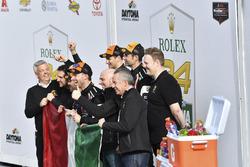 #11 GRT Grasser Racing Team Lamborghini Huracan GT3, GTD: Рольф Інайчхн, Мірко Бортолотті, Франк Перера, Рік Брьойкерс