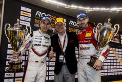 René Rast e Timo Bernhard con i trofei dei vincitori