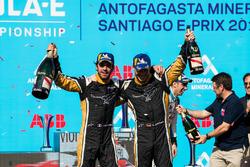 Jean-Eric Vergne, Techeetah, Andre Lotterer, Techeetah boivent du champagne sur le podium