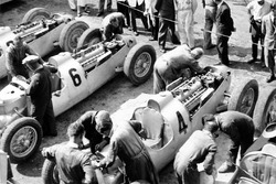 Bernd Rosemeyer, Auto Union C-typ, Achille Varzi, Auto Union C-typ, Rudolf Hasse, Auto Union C-typ