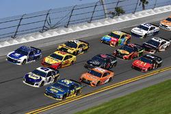 David Ragan, Front Row Motorsports Ford Fusion, Chase Elliott, Hendrick Motorsports Chevrolet Camaro, Alex Bowman, Hendrick Motorsports Chevrolet Camaro