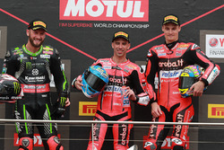 Podium : le vainqueur Marco Melandri, Aruba.it Racing-Ducati SBK Team, le deuxième, Tom Sykes, Kawasaki Racing, le troisième, Chaz Davies, Aruba.it Racing-Ducati SBK Team