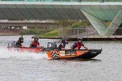 Гонщики Triple Eight Race Engineering Holden Джейми Уинкап и Крейг Лаундес