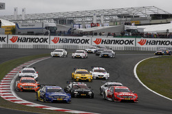 Gary Paffett, Mercedes AMG DTM-Team HWA DTM Mercedes AMG C-Coupe, Bruno Spengler, BMW Team Schnitzer BMW M3 DTM, Daniel Juncadella, Mercedes AMG DTM-Team Mücke DTM Mercedes AMG C-Coupe