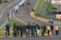 Alexander Rossi, Testrijder Caterham F1 en Charles Pic, Caterham op het circuit.