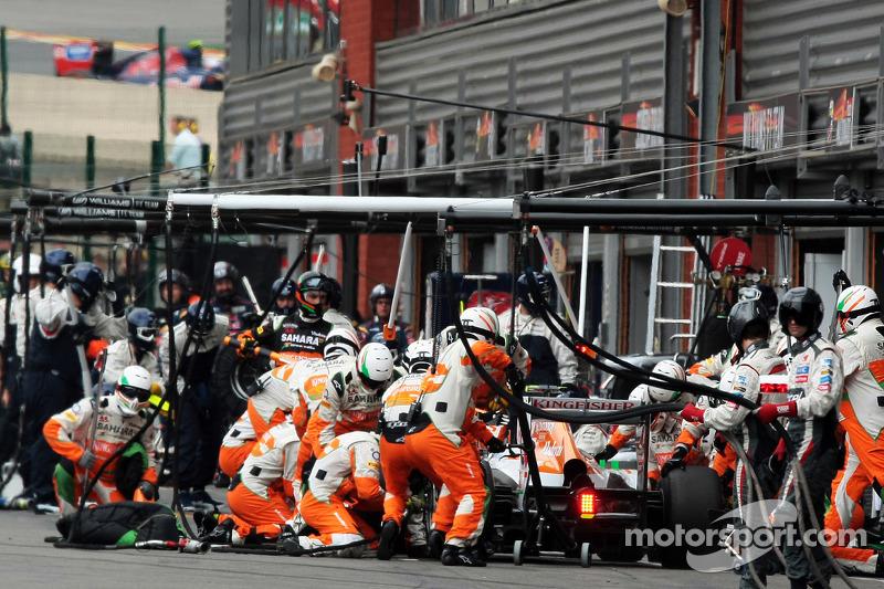 Adrian Sutil, Sahara Force India maakt een pitstop