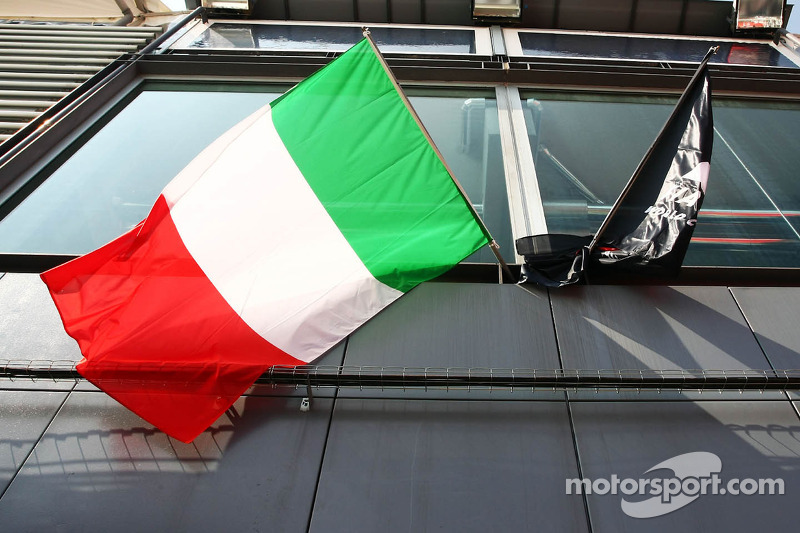 Italian flag in the paddock