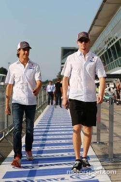 (L to R): Esteban Gutierrez, Sauber with team mate Nico Hulkenberg, Sauber