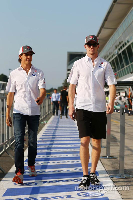 (Da esquerda para direita): Esteban Gutierrez, Sauber, com o companheiro Nico Hulkenberg, Sauber
