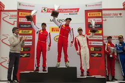 Trofeo Pirelli: Onofrio Triarsi (overall winnaar), Damon Ockey, Michael Schein