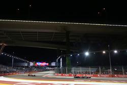 Max Chilton, Marussia F1 Team MR02 y Jules Bianchi, Marussia F1 Team MR02