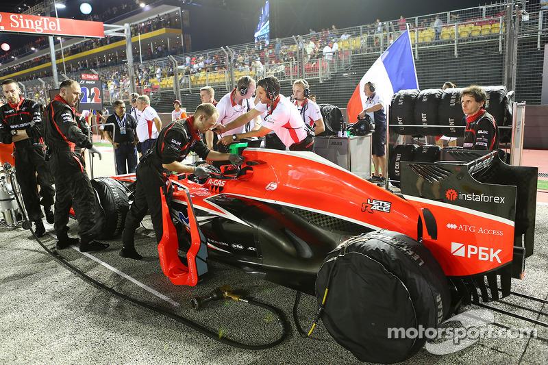 Jules Bianchi, Marussia F1 Team MR02 on the grid
