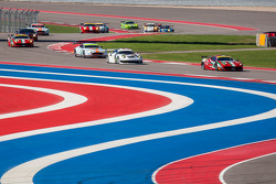 LMGTE class at the beginning of the race