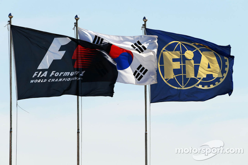 F1, Korean and FIA Flags