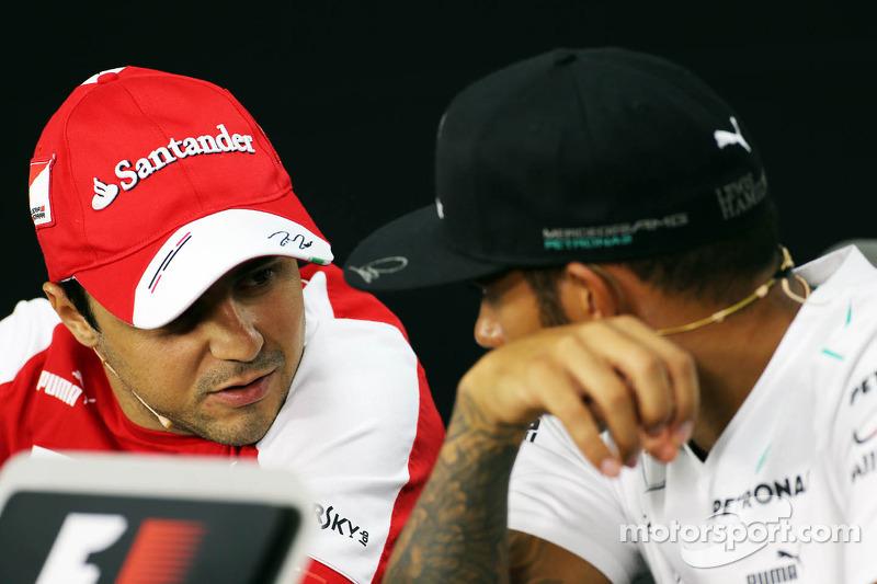 (L naar R): Felipe Massa, Ferrari en Lewis Hamilton, Mercedes AMG F1 bij de FIA-persconferentie