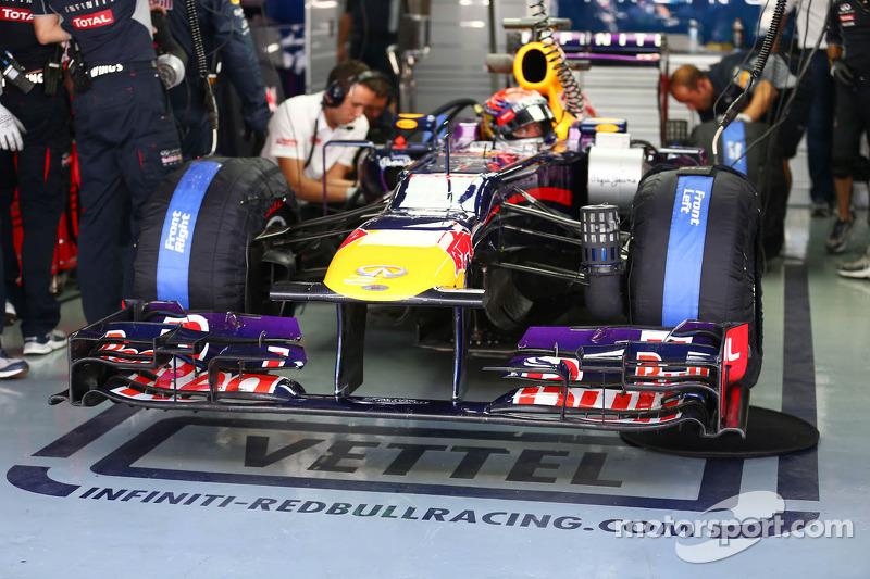 Sebastian Vettel, Red Bull Racing RB9 front wing
